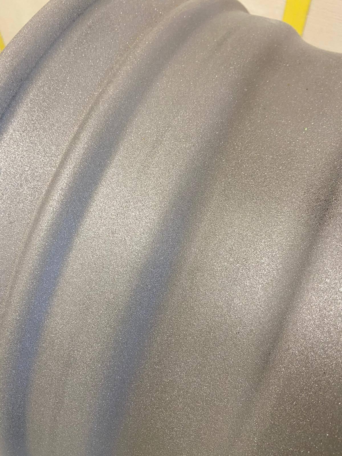 Le détail est propre et l'accrochage de la peinture sera parfait sur ce support propre et net