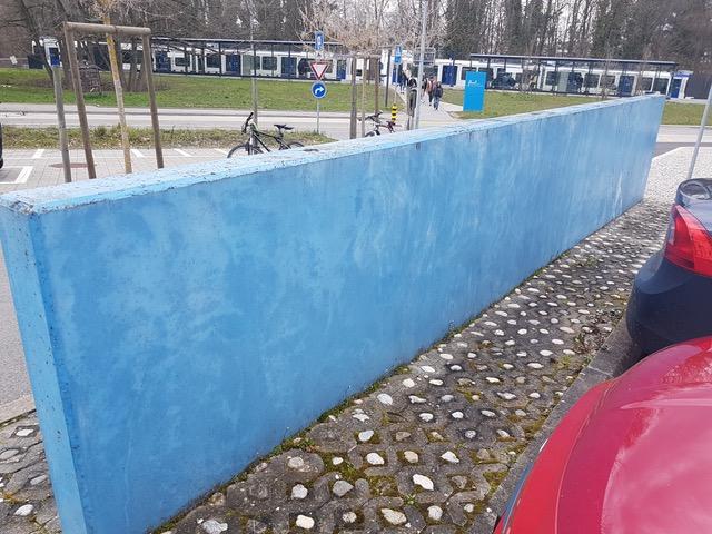 Mur en béton teinté dans la masse