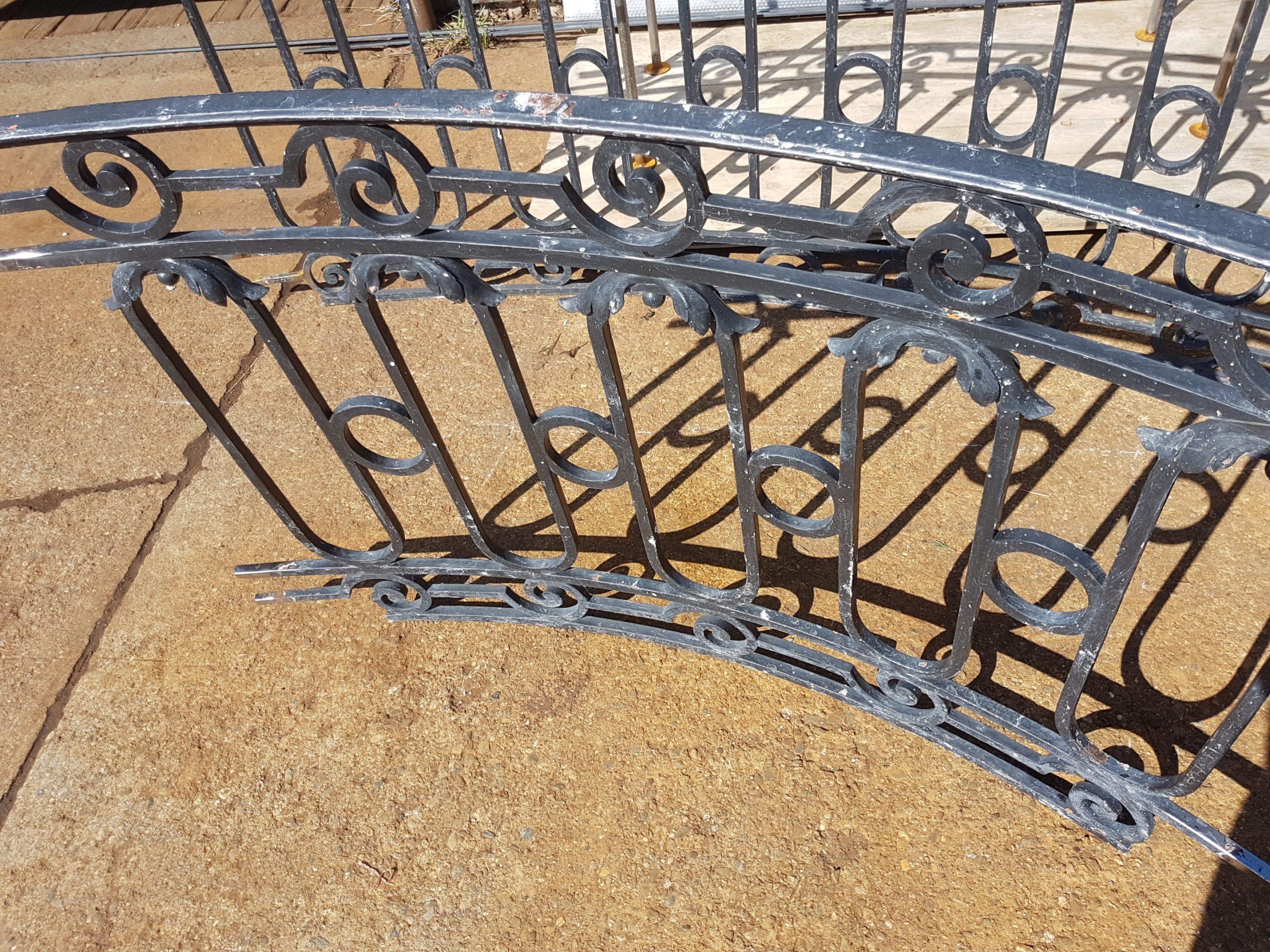 Barrières démontées pour travaux de sablage et peinture