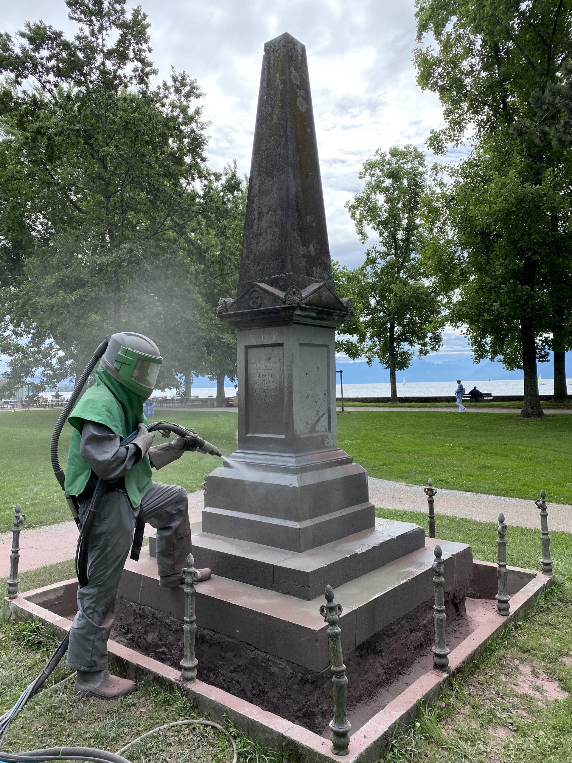 Travaux d'hydrogommage sur l'ensemble du monument
